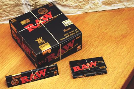 RAW Black Papers hier erhältlich!